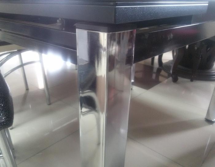 Стол раскладной стеклянный Даласи (светлобежевый кожзам)
