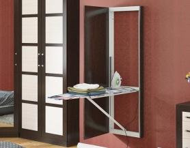Панель с зеркалом и гладильной доской
